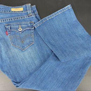 Levi's 542 tilted flare size 6 blue jeans